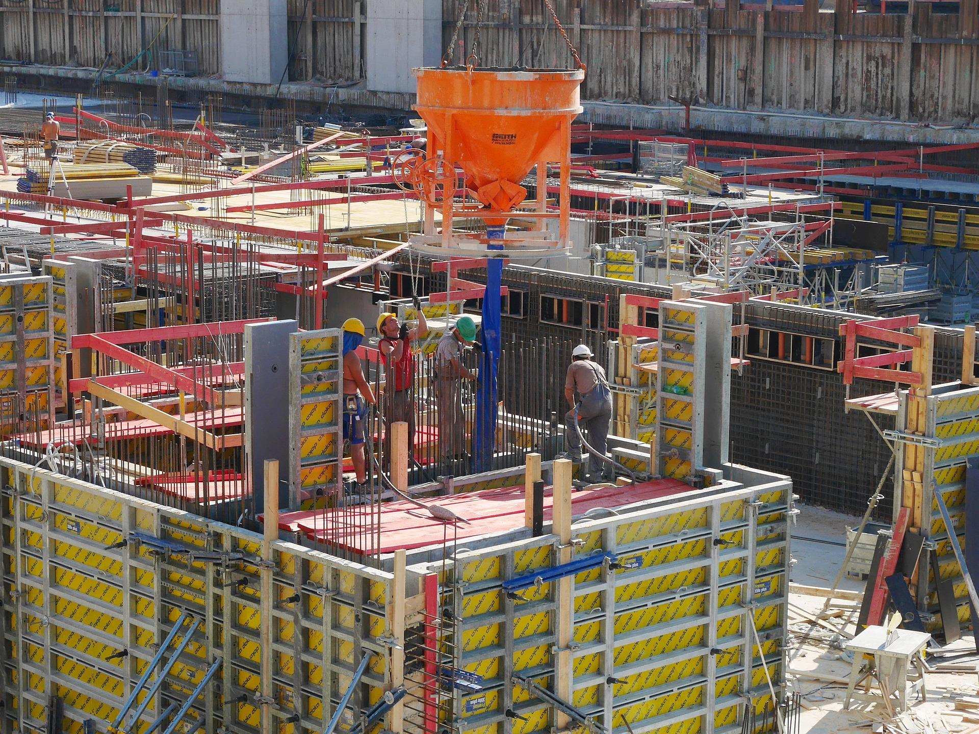 construction-site-1477687_1920